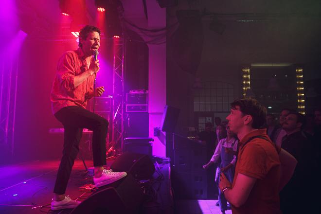 Laser & bas i Stockholm